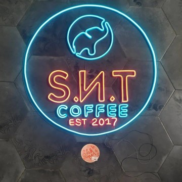 Neon SIgn Cafe
