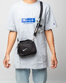 //sirclocdn.com/doyanpepaya/products/_190213151741_61643%20Nike%20pouch%20bag%20-%20Black%20-245rb_tn.jpg