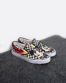 //sirclocdn.com/doyanpepaya/products/_190228144834_13273%20Mickey%20Mouse%20%26%20Minnie%20Mouse%20X%20Vans%20Classic%20Slip-On%20-%20hitam-putih%20535rb%204.5-7.5_tn.jpg
