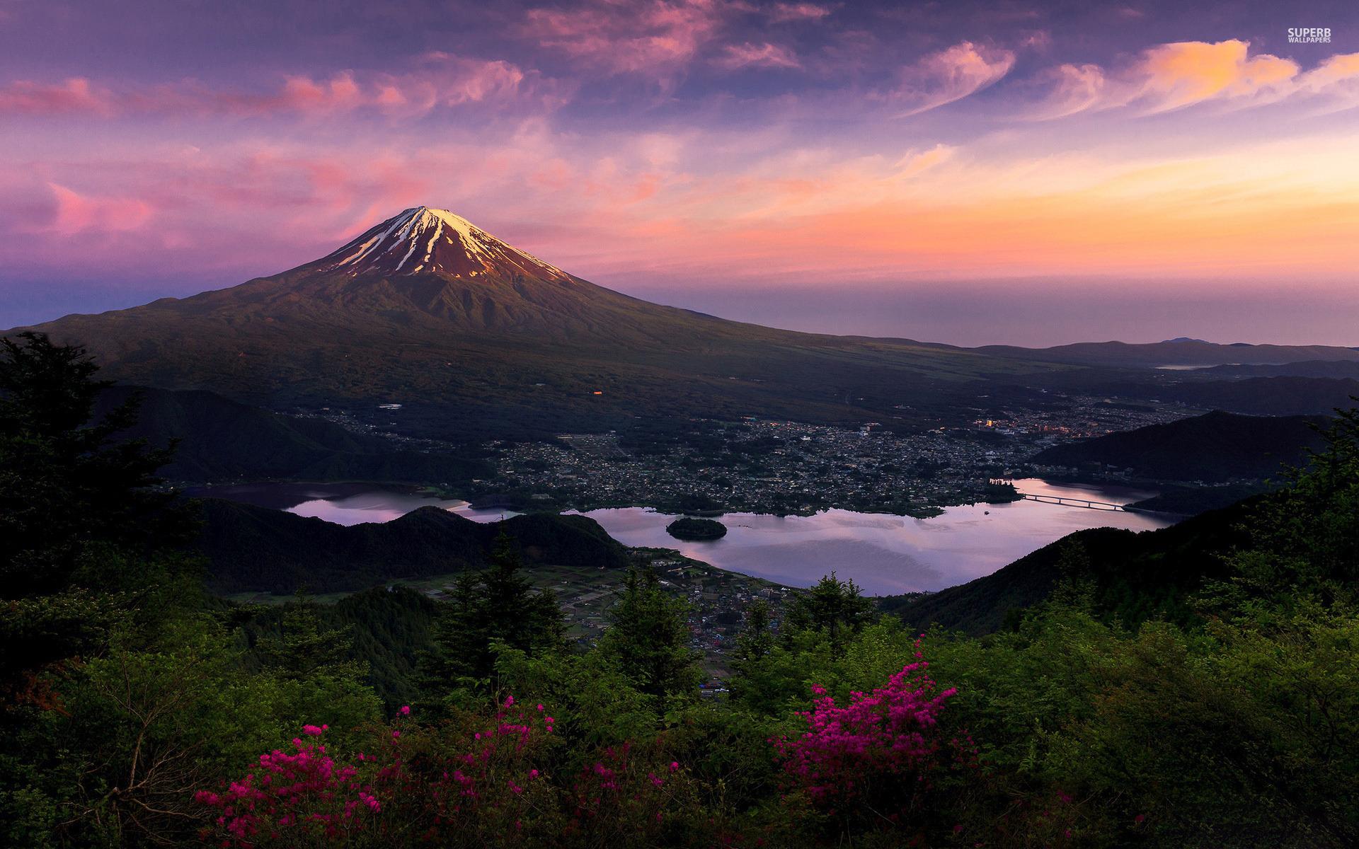 Cerita dan Fakta Menarik Gunung Fuji image