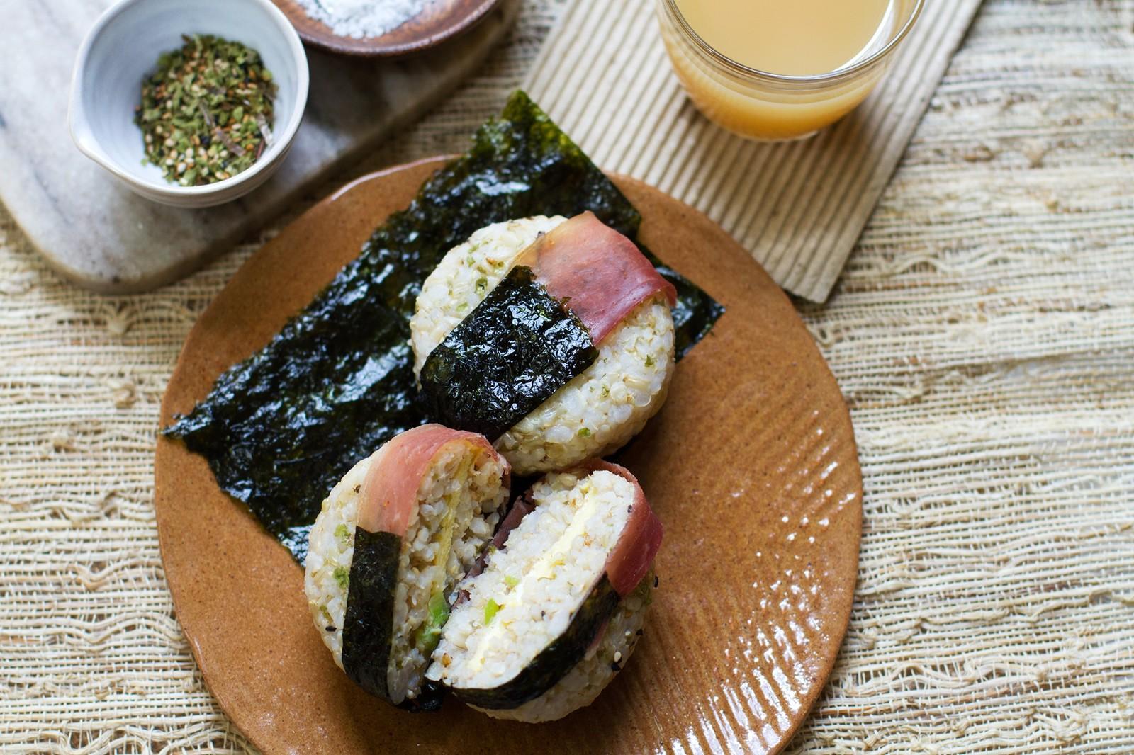 Onigiri Makanan Sederhana yang Menggugah Selera image