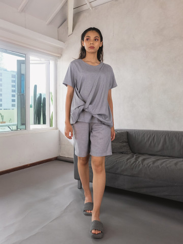 MOA TOP GREY