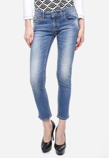 Jeans Premium - Biru Muda - Detail Whisker - Aksen Washed