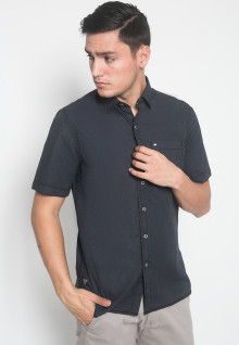 Regular Fit - Kemeja Casual - Motif Polos - Hitam