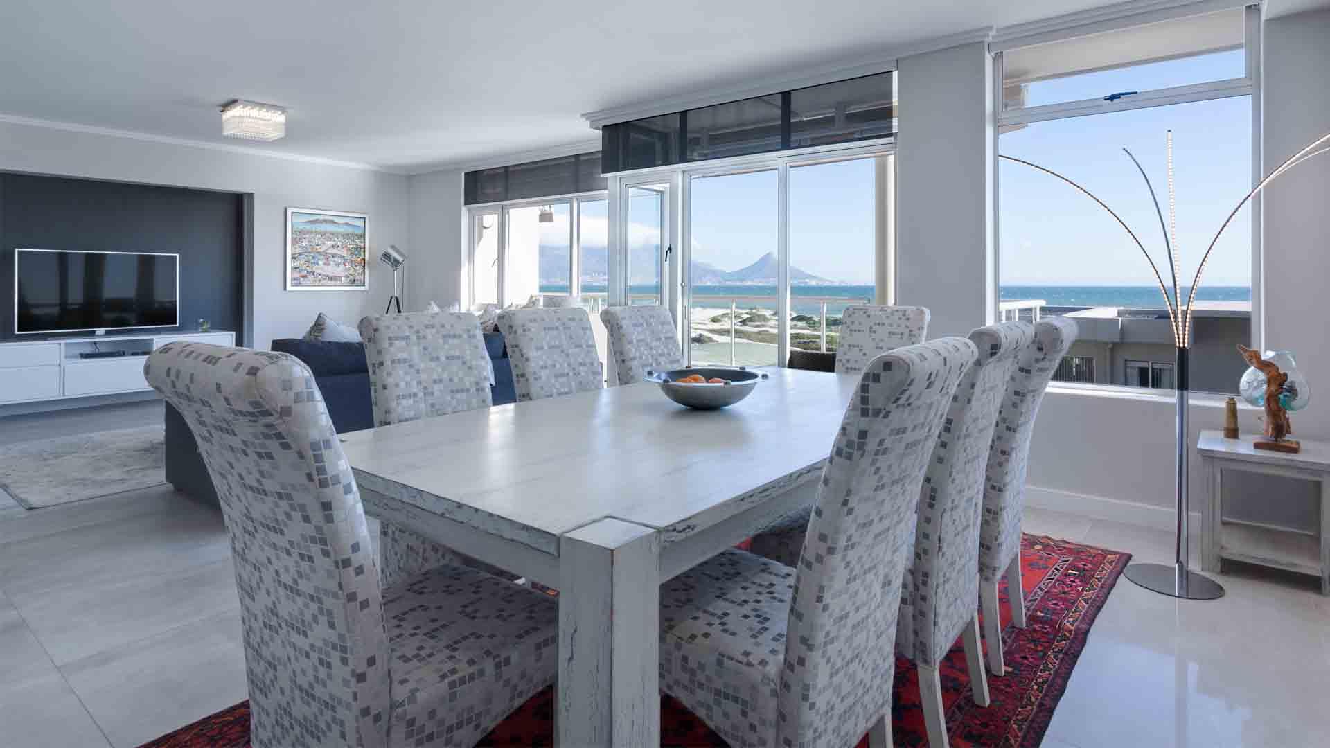 karpet lantai ruang makan