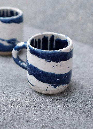 RIVER MUG IN WHITE