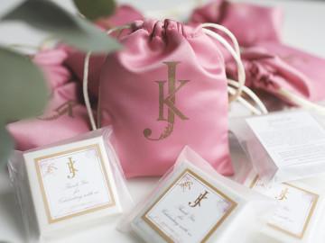 Wedding Souvenir by Pourie